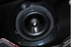 F30. Установка комплекта музыки АМР2, шумка дверей и LED туманки.