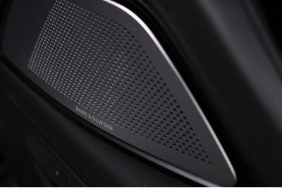 F10. Bang&Olufsen, шумоизоляция и электрошторка.